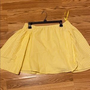 💛Off the shoulder yellow striped top 💛